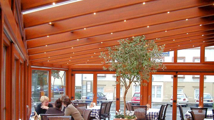 Konstruktionsvielfalt - verschiedene Dachinstallationen von Wintergarten in der Gastronomie