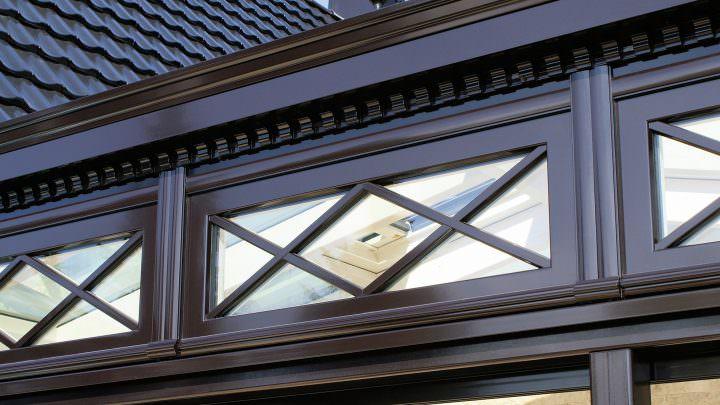 Viktorianischer Wintergarten: Sprossenfenster
